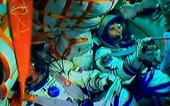 L'astronauta Samantha Cristoforetti appena dopo il lancio verso lo spazio