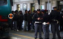 Toscana, più controlli nelle stazioni ferroviarie: metal detector e cani antiesplosivo