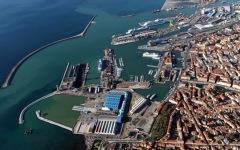 Livorno, ordigno bellico scoperto all'interno del porto
