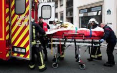 Terrorismo islamico: massacro (12 morti) in un giornale di Parigi. Per una vignetta satirica