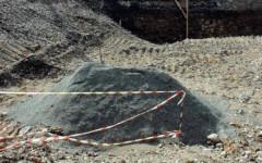 La bomba è stata provvisoriamente ricoperta da sabbia