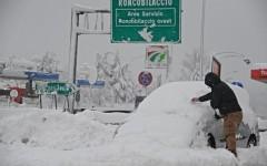 Autostrada A1: forte nevicata fra Calenzano e Barberino. Codice rosso. In serata attesa la pioggia