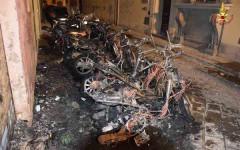 L'incendio dei motorini in via delle Conce