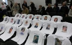 Strage Viareggio: i familiari delle vittime presidiano la Corte d'Appello in occasione dell'udienza