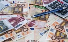 Governo scricchiola: sfida Salvini-Di Maio. Il grillino pensa solo al reddito di cittadinanza (dal costo impossibile)