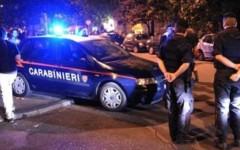 Prato, rapinano una donna e sparano in aria: arrestati dopo un inseguimento di 30 chilometri