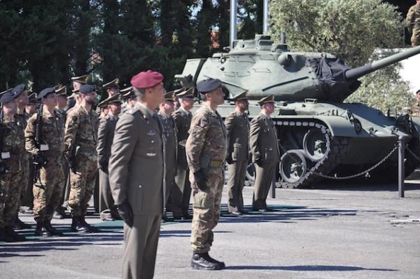 Militari della Divisione Friuli in rassegna