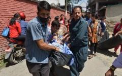 Nepal, nuovo rovinoso terremoto: centinaia di morti e feriti