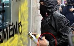 Black bloc con l'orologio: la Rolex protesta contro Renzi e Alfano. Scoppia il caso in Parlamento