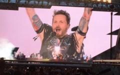 Firenze: il concerto di Jovanotti manda in delirio quarantamila fans nel bollente stadio Franchi