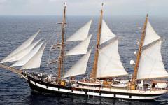 Nave Palinuro sostituisce il Vespucci nella campagna estiva dell'Accademia Navale