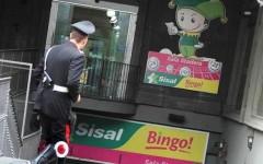 Pisa, rapina alla sala Bingo: il bandito muore in un conflitto a fuoco