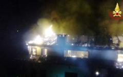 Abetone, incendio in una casa vacanze: turisti evacuati, 12 appartamenti inagibili