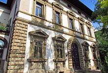 Immigrazione, Firenze: decine di profughi a Villa Basilewsky. Divampa la polemica politica
