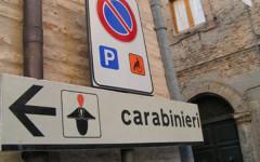 Cartello stradale Carabinieri
