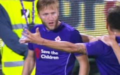 Fiorentina vince con il Bologna (2-0) ed è seconda in classifica. Domenica supersfida con l'Inter a San Siro. Pagelle