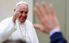 Papa Francesco in testa (85%) nel gradimento degli italiani. Seguono Mattarella (59%) e, a debita distanza, Renzi (31%)