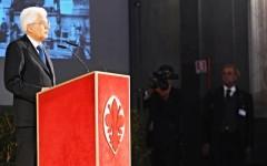 Firenze capitale, Mattarella a Palazzo Vecchio: «Uniti contro la guerra globale, non ci piegheremo al terrorismo»