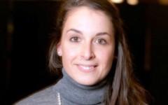 Parigi: 130 morti. Fra le vittime anche l'italiana Valeria Solesin. Confermato il riconoscimento. Renzi annuncia una borsa di studio in suo ...