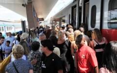 Treni, sciopero di 24 ore: dalle 21 di giovedì 17 marzo 2016 alle 21 di venerdì 18 marzo. Forti disagi per i pendolari