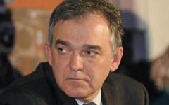 Aggressione a Rossi con secchio di letame alla festa dell'Unità, il governatore: «Non mi fermeranno»