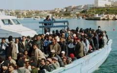 Immigrazione: lavoro non retribuito per i richiedenti asilo. L'annuncio di Minniti