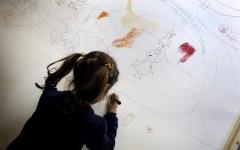 Livorno: ragazzo autistico solo in classe. Gli altri in gita scolastica. E scoppia il caso