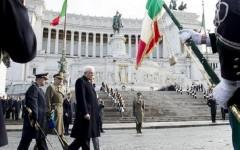 25 aprile: l'Italia celebra la Liberazione. Mattarella e Renzi all'Altare della Patria (video). A Firenze cerimonia in piazza dell'Unità