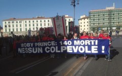 Livorno, Moby Prince: migliaia in corteo, con il sindaco Filippo Nogarin, 25 anni dopo la tragedia