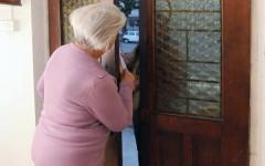 Firenze, truffe anziani: finto addetto acqua porta via 4.500 euro a 92enne