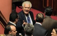Politica, Denis Verdini al premier: «Il Pd è finito, caro Matteo Renzi alleati con me»