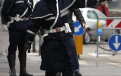 Prato: guida senza patente e senza assicurazione. Multa da 14.000 euro e sequestro dell'auto