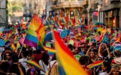 Unioni civili: il governo pone la fiducia, proteste delle opposizioni e della Conferenza episcopale italiana