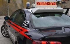 Firenze: prende a pugni la moglie davanti alla figlia. Dopo aver buttato giù la porta. Arrestato