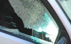 Lido di Camaiore: litigano per il parcheggio e distruggono le auto a colpi di cric