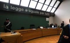 Firenze, anarchici arrestati davanti al gip: restano ai domiciliari le due donne arrestate a Villa Panico