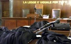 Cadavere ritrovato in un bosco a Grosseto: a giudizio la figlia e il nipote della vittima