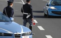 Prato: si rifugia dalla Polstrada per sfuggire alla persecuzione del rivale. Che è stato arrestato