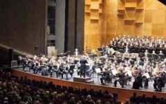 Firenze: al Teatro del Maggio dirige Henrik Nànàsi. Solista al violoncello Ella van Poucke