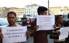 Pisa: sit in di bengalesi che condannano l'attentato di Dacca