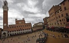 Siena: Obama e Michelle abbagliati dalla Maestà di Simone Martini. Con il sindaco Valentini a fare da cicerone
