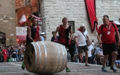 Montepulciano: il Bravìo delle Botti 2016 alla contrada di Voltaia