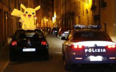 Firenze: ragazza neopatentata viaggia contromano per catturare Pokemon, bloccata e multata dalla Polizia