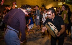 Asciano (SI): torna «Altraterra» manifestazione di musica popolare ed enogastronomia