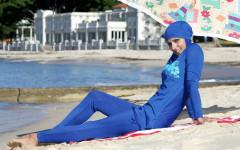 Firenze: donna in burkini alla piscina Costoli. Allontanata dal bagnino. E' polemica