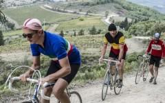 Ciclismo, l'Eroica di Gaiole in Chianti: il via oggi 1 ottobre. Con Autostrade come partner