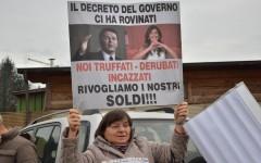 Renzi infastidito dalle proteste: «Su banca Etruria c'è stata soprattutto strumentalizzazione»