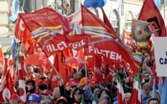 Lavoro e sviluppo: oltre 10.000 toscani (molti pensionati) a Roma contro il Governo, manifestazione di protesta