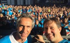 Corri la vita 2016: Paulo Sousa ha dato il via. Migliaia di magliette blu in corsa per Firenze