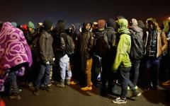 Migranti, Calais: continua lo sgombero della giungla, ma ci vorrà almeno una settimana